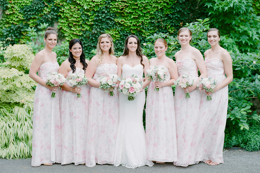 588559837d809900x - These Bridal Portraits will Have You Craving a Garden Wedding