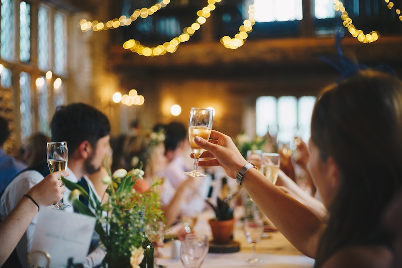 How To Write a Maid of Honor Speech: A Step-by-Step Guide
